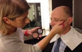Maquillage du mentaliste Xavier Nicolas dans Bienvenue chez Cauet sur NRJ12