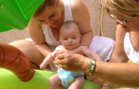 premiers-pieds-dans-la-piscine-4