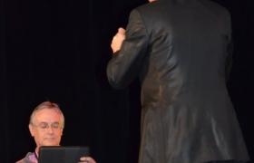 xavier-nicolas-au-concours-de-mentalisme-de-l-oedm-pour-le-nostradamus-2012-16