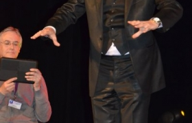 xavier-nicolas-au-concours-de-mentalisme-de-l-oedm-pour-le-nostradamus-2012-17