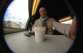 2012-10-11-02-pause-cafe-dans-le-train-pour-le-congres-ffap-2012