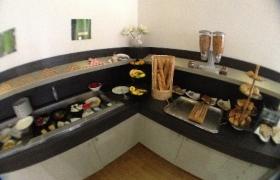 2012-10-12-03-buffet-de-petit-dejeuner-presque-inexistant