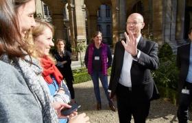 Magicien et mentaliste pour la fermeture Musée Carnavalet de Paris 8