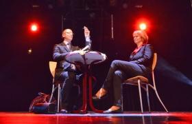 clou-dans-le-nez-par-xavier-nicolas-magiciens-dor-2012-michel-deschamps-12