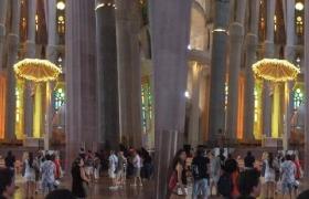 sagrada-familia-de-barcelone-3d-32