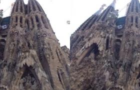 sagrada-familia-de-barcelone-3d-34