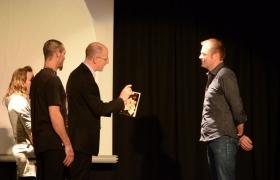 Spectacle de mentalisme Remue Meninges au theatre de Forge les bains (62)